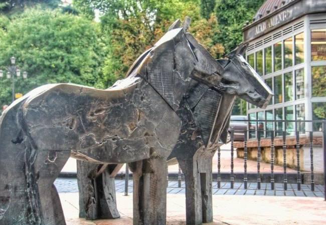 Escultura urbana en Oviedo