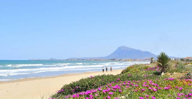 Playa Les Deveses, en Denia