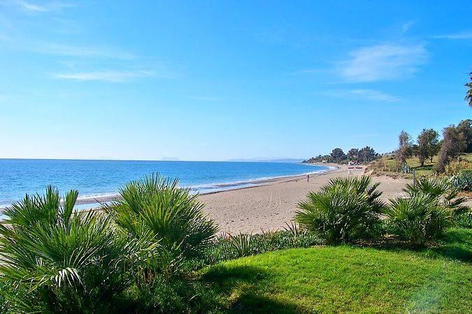 Playa El Castor, en Estepona