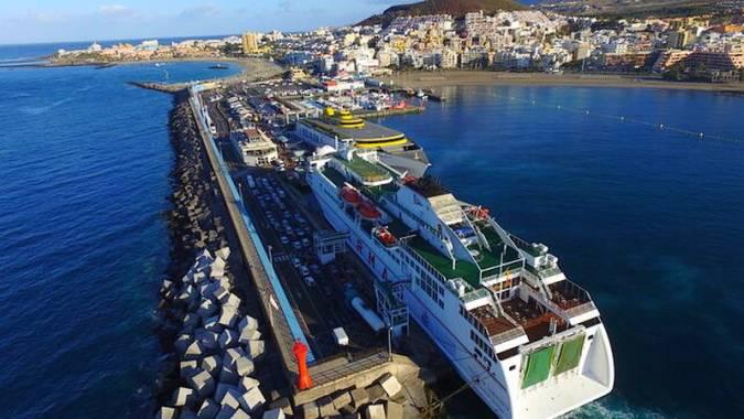 Puerto de Los Cristianos, en Tenerife