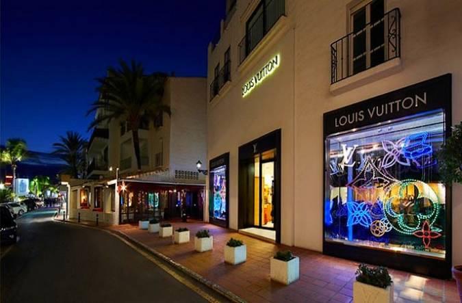 Tiendas de lujo en Puerto Banús, Marbella