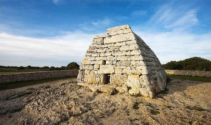 Naveta Des Tudons, en Menorca