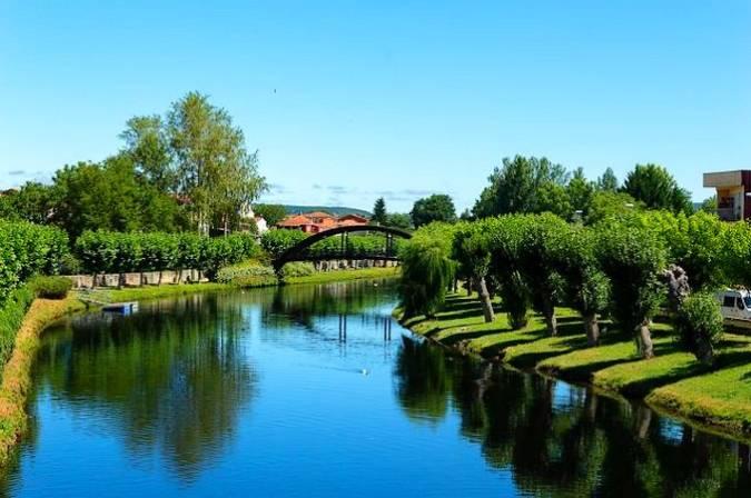 Rio Cabe a su paso por Monforte de Lemos, en Lugo