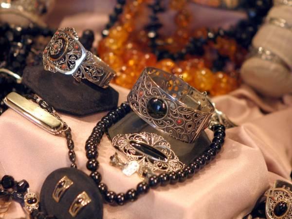 Joyas de plata y azabache en Santiago de Compostela