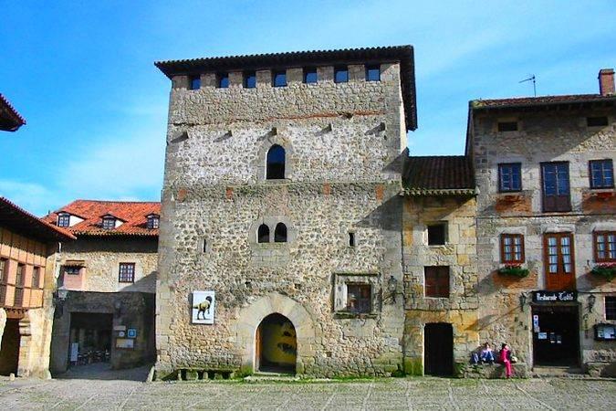 Torre del Merino, en Santillana del Mar, Cantabria
