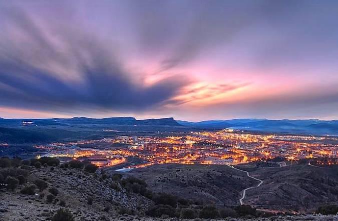 Vista nocturna de la ciudad de Soria