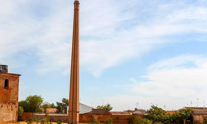 Chimenea de destilería en Tomelloso, Ciudad Real