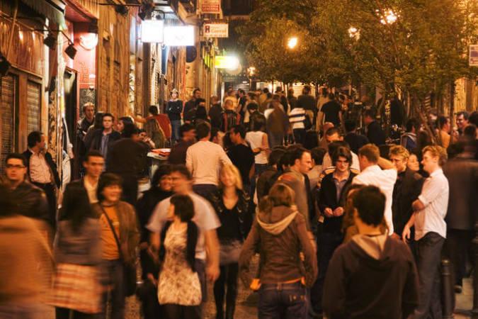 Ambiente nocturno en el Barrio de Malasaña, Madrid