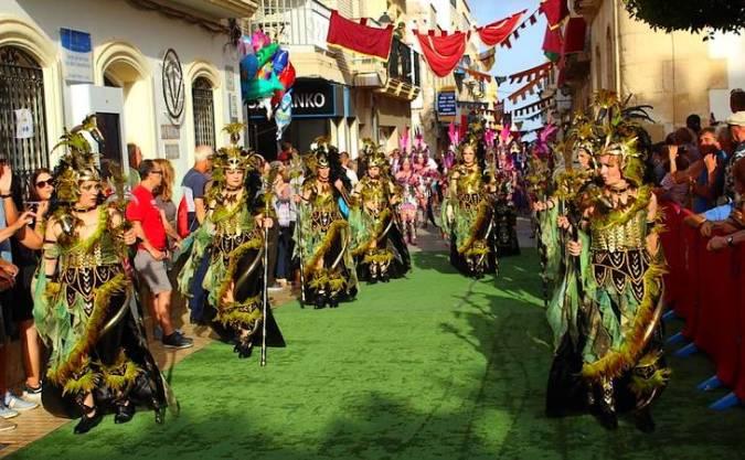 Desfile de moros y cristianos en Vera, Almería