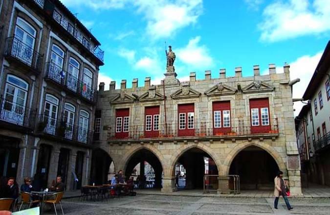 Plaza Sao Tiago, en Guimarães Portugal