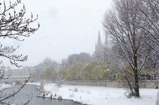 La ciudad de Burgos cubierta de nieve