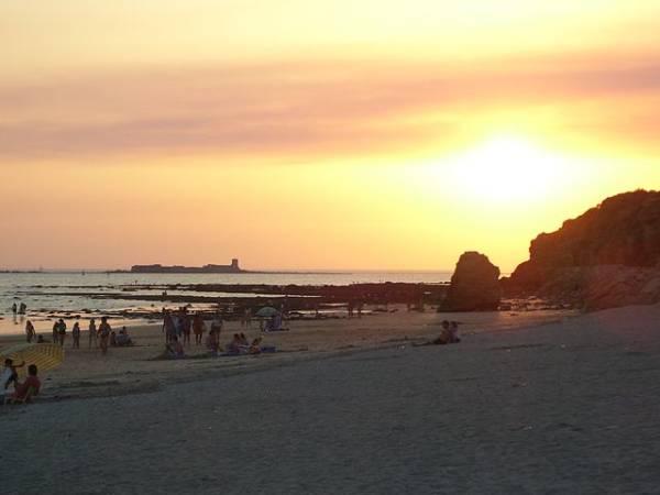 Comienza el año al sol de Chiclana, en Cádiz