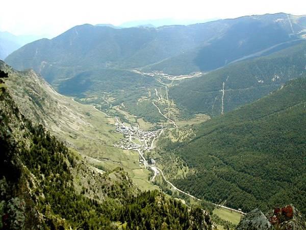 El pueblo de Espot, en Lleida, Catalunya