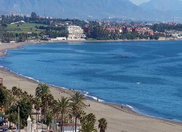 Hoteles baratos en estepona junto a la playa for Hoteles puerta del sol baratos