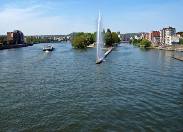 El río Mosa, en el centro de la ciudad de Lieja