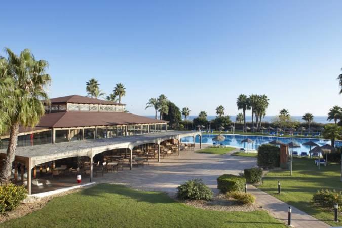 Hoteles baratos para el verano en islantilla huelva for Hoteles en huelva capital con piscina
