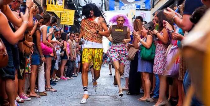Carrera de tacones en las fiestas del Orgullo Gay
