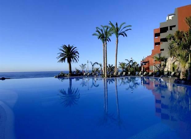 Hoteles españoles con piscinas espectaculares