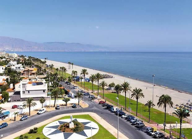 Hoteles que aceptan mascotas en Roquetas de Mar