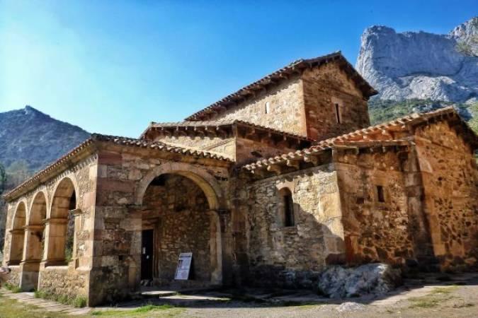 Iglesia de Santa María de Lebeña, en Cantabria