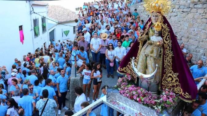 Celebración de la Virgen de la Fuensanta, en Iznatoraf, Jaén