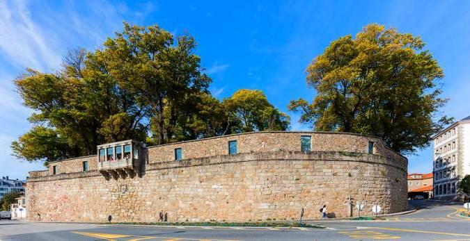Muralla y mirador del Jardín de San Carlos, en A Coruña