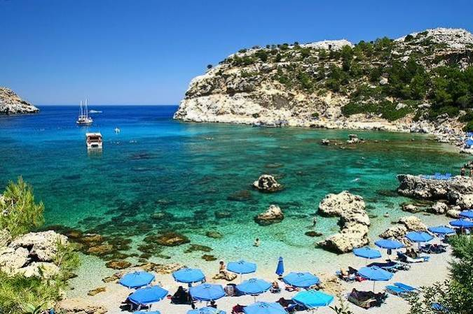 Playa de Kallithea, en Rodas, Grecia