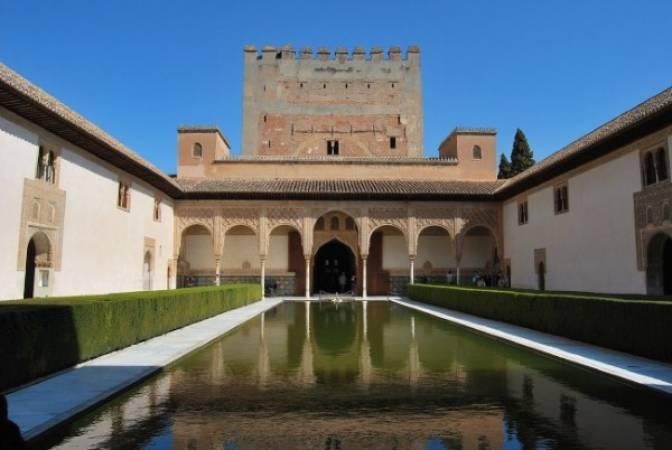 Patio de los Arrayanes, en la Alhambra de Granada