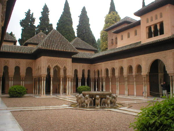 Patio de los Leones, en la Alhambra de Granada