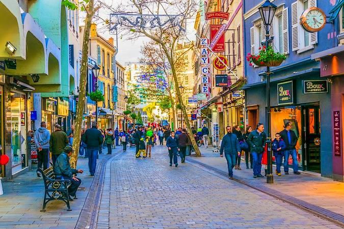 Main Street, la principal calle de Gibraltar