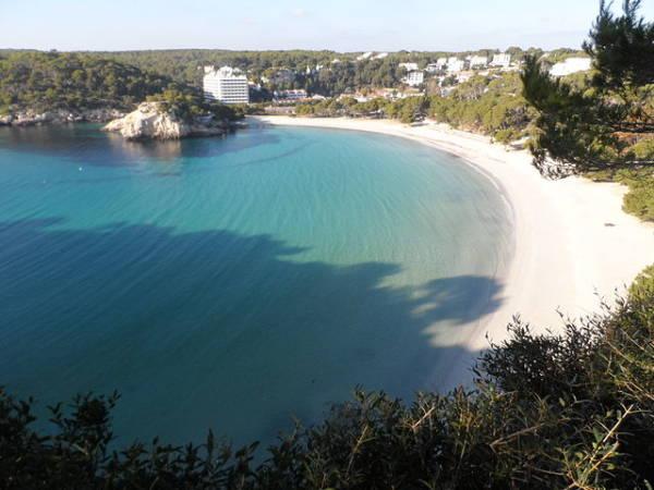 La playa de Cala Galdana, en la isla Balear de Menorca