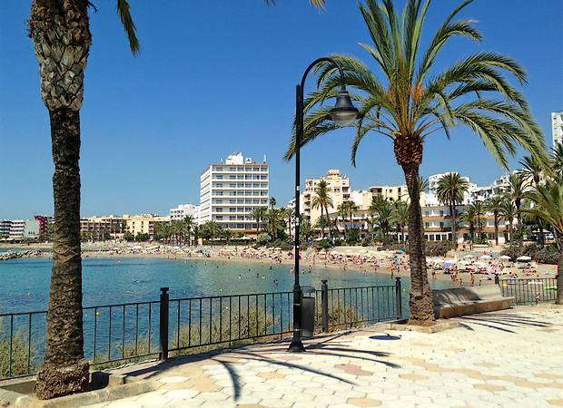 La playa de Figueretas, en Ibiza