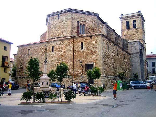 Iglesia de Santa Emereciana, en La Puebla de Valverde