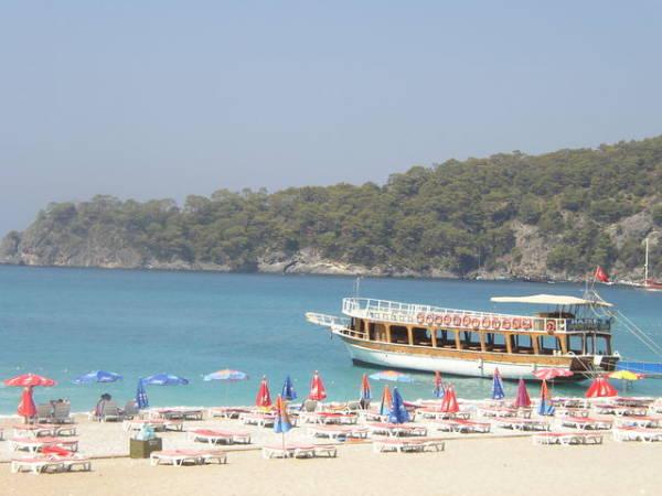 La villa turca de Oludeniz en la Costa Turquesa de Turquía