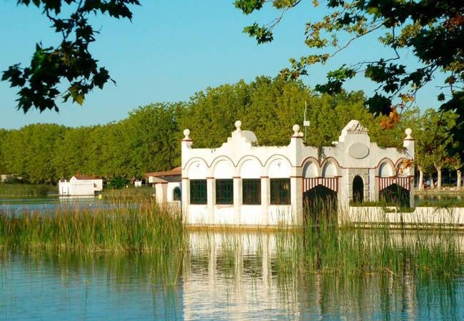 Lugares con encanto en Cataluña: Banyoles y su lago de cuento