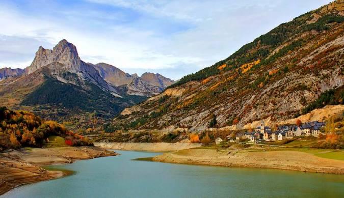El pueblo resucitado de Lanuza, en Huesca