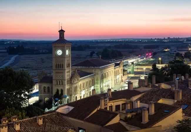 ¿Te gustan las estaciones de tren? Estas son las más bonitas de España