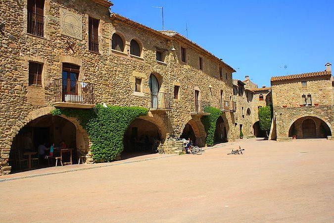 Monells, en Les Gavarres, Girona