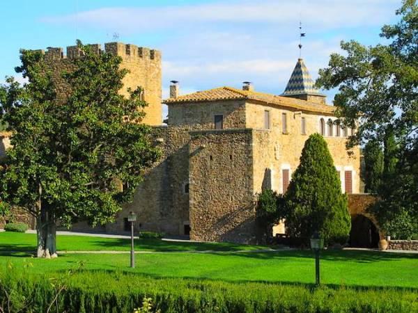 Castillo de Millars, en Les Gavarres, Girona