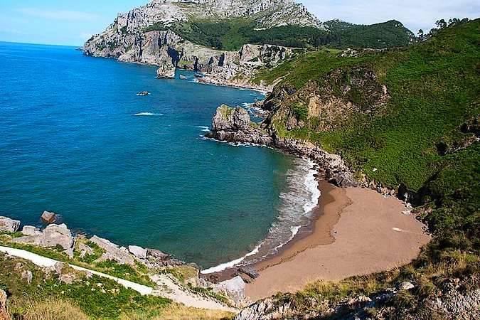Playa de San Julián, en Liendo, Cantabria
