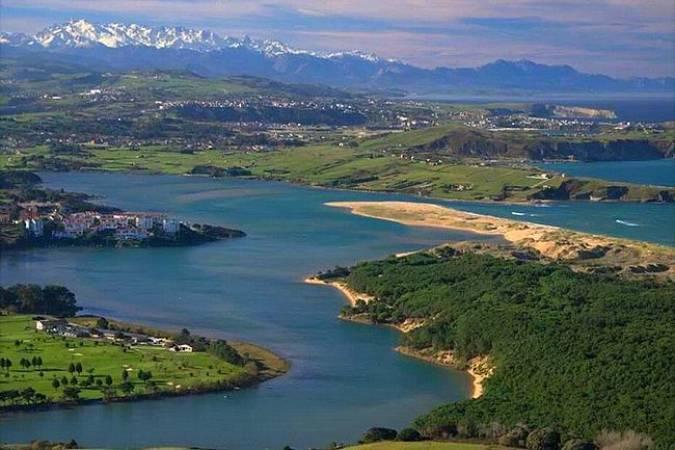 La belleza costera del pueblo cántabro de Liencres