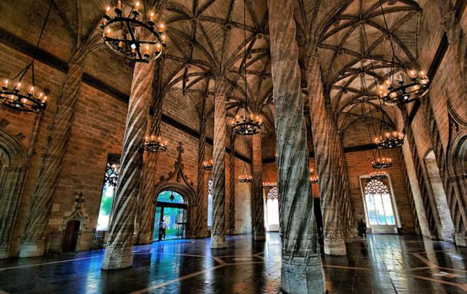 Sala de Contratación de la Lonja de la Seda, en Valencia