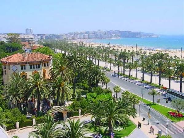 Paseo de Les Palmeres, en Salou, Tarragona