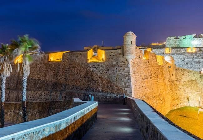 Ven y disfruta de las mejores playas de Ceuta
