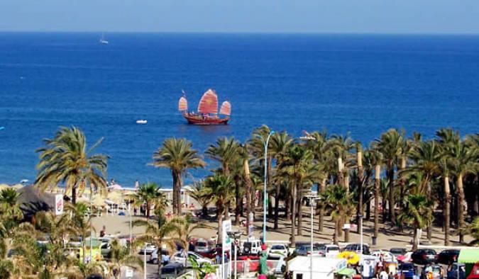 Playa El Bajondillo, en Torremolinos