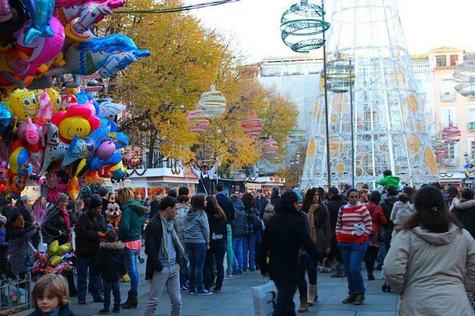 Mercado de Navidad de la Plaza Bib-Rambla, en Granada