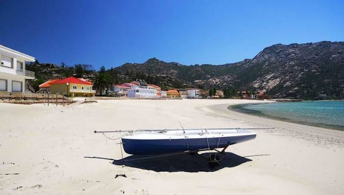 Pueblo y playa de Ézaro, en A Coruña