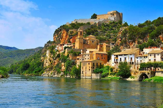 La villa medieval de Miravet, en Tarragona