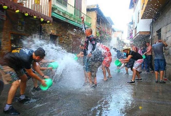 Fiesta del Agua de Molinaseca, en León
