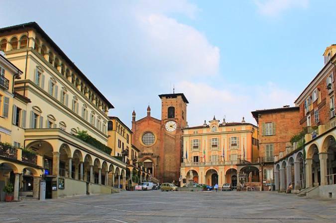 Plaza de Vittorio Emanuele II, en Moncalieri, Italia